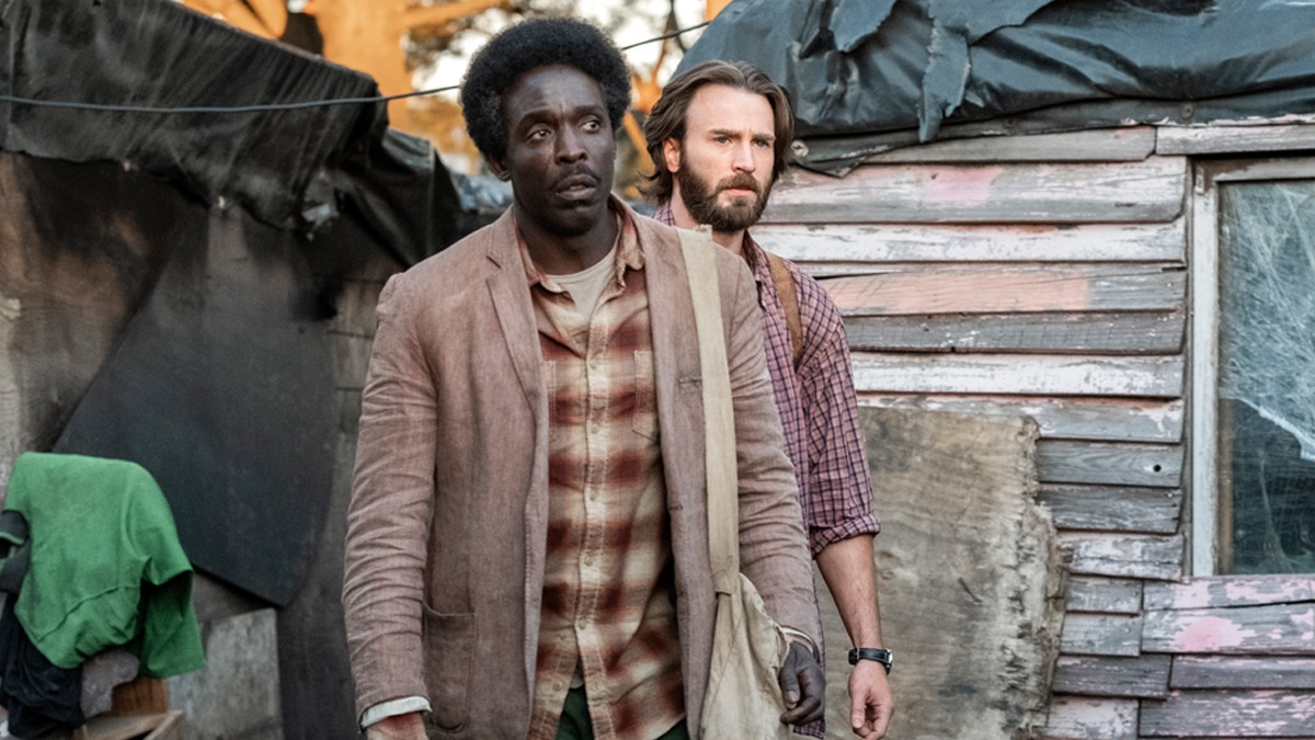 Michael Kenneth Williams und Chris Evans in The Red Sea Diving Resort